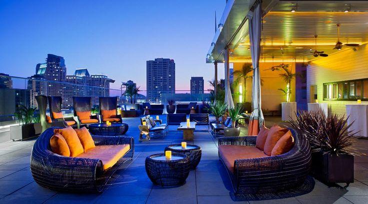 Top 5 Rooftop Bars in Delhi #DivaSays #Delhi #NCR #drinks #food #dining #rooftopbars #rooftopdining