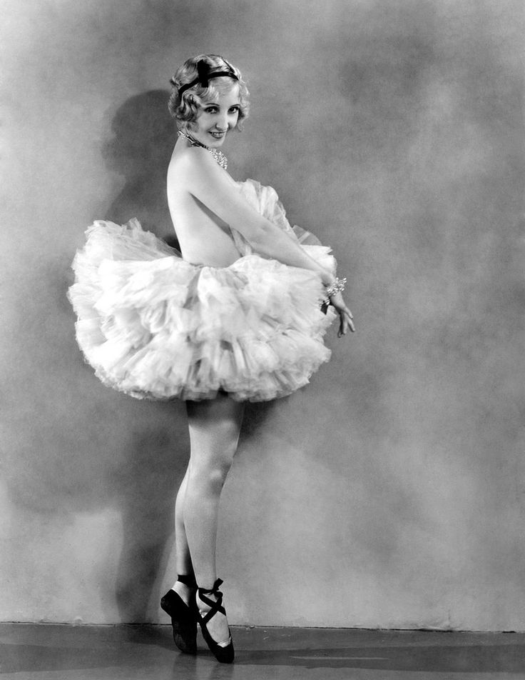 Bessie Love  circa 1930: Actress and dancer Bessie Love (1898-1986), born Juanita Horton, popular star of MGM films such as 'Broadway Melody'. (Photo by Clarence Sinclair Bull)
