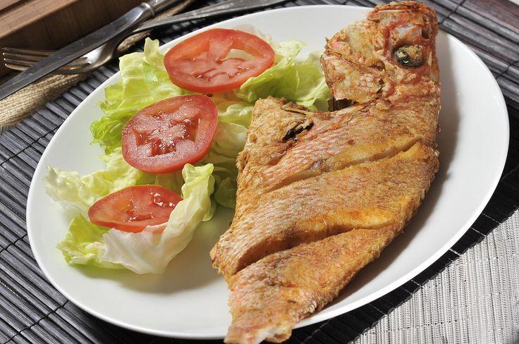 Pescado frito entero | Cocina y Comparte | Recetas