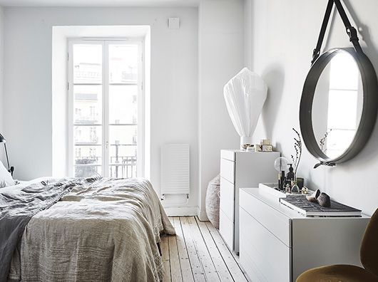 white bedroom with neutral decor. / sfgirlbybay
