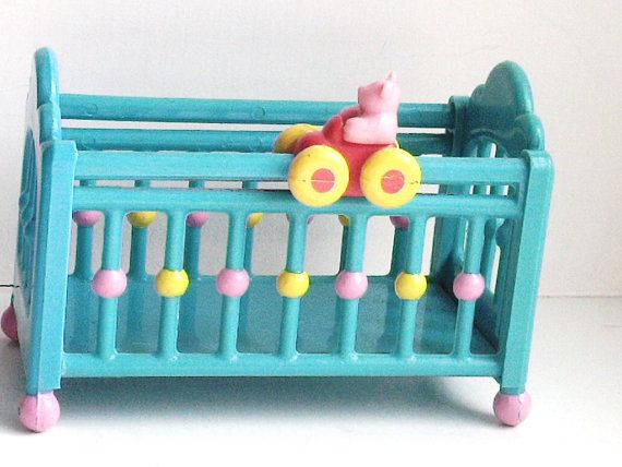 Baby Crib for So Small Babies vintage Lewis by MossMountain