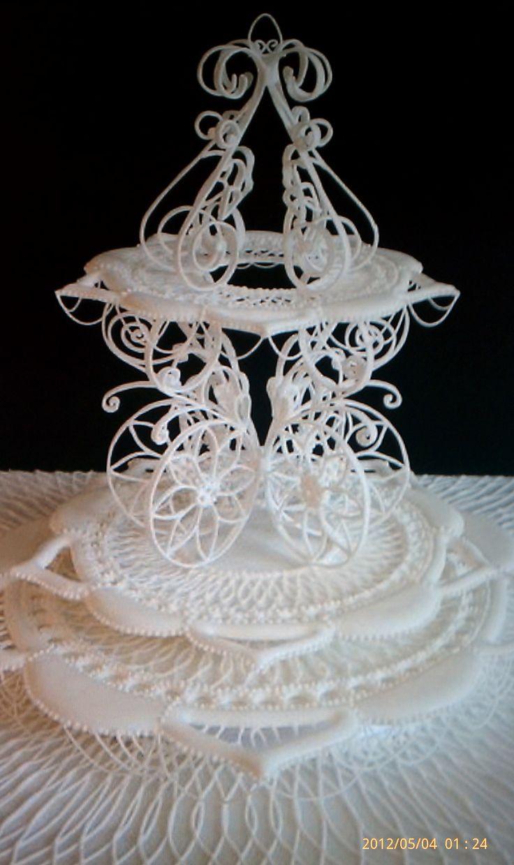 649 best Lambeth Style Cakes images on Pinterest Royal ...