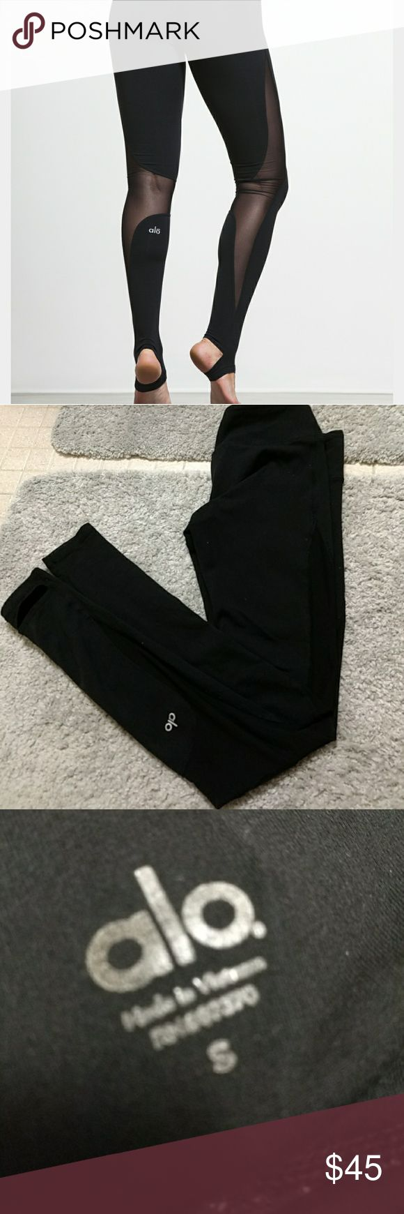 Alo yoga coast legging Black leggings with side mesh! Great condition just some pilling in thigh area but nothing noticeable when worn but this is taken into account of the price! No other flaws! ALO Yoga Pants Leggings
