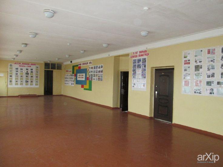 """Зал Славы"" в  рекреации школе: интерьер, коридор, минимализм, учебное заведение, школа,колледж, стена, 80 - 100 м2 #interiordesign #corridor #hallway #hall #passage #passageway #aisle #lobby #minimalism #educationalinstitution #school #college #wall #80_100m2 arXip.com"