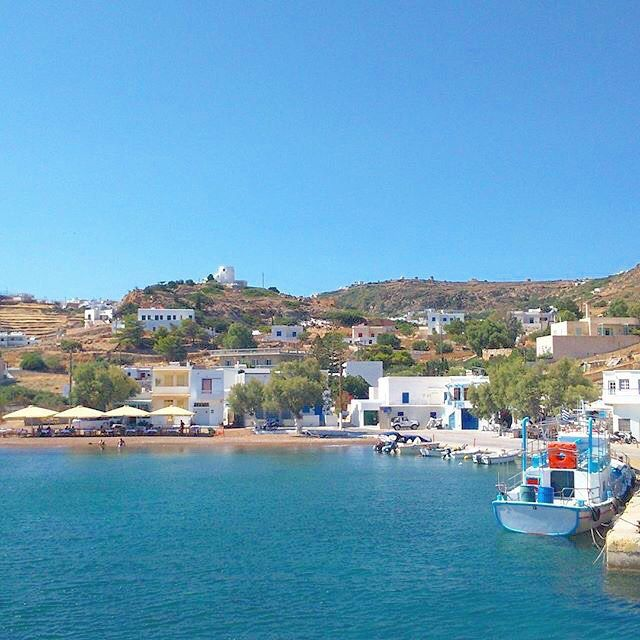 Gorgeous and very picturesque port of Kimolos island (Κίμωλος) ☀️. In this island you can explore the wild nature in combination with lovely beaches with the crystal clear water and relaxing atmosphere !
