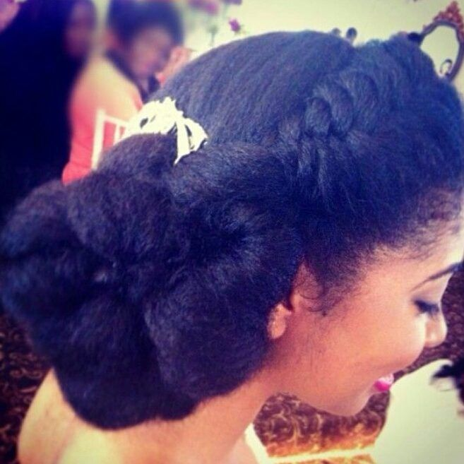 Natural Elegance: 50 Styles Naturalista Brides Need To Try | HelloBeautiful