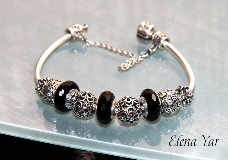 PANDORA Bracelet with Faceted Black Murano :-)