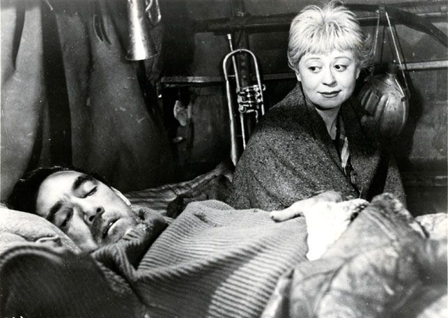 Gelsomina (Giulietta Masina) Zampano (Anthony Quinn) in Frederico Fellini´s La Strada 1954