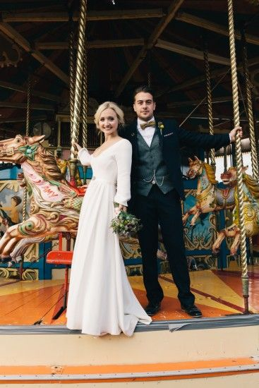 Photography: Brighton-Photo A chic rustic wedding | Real Weddings | Plan Your Perfect Wedding #rustic #fairground #wedding #bride #weddingdress