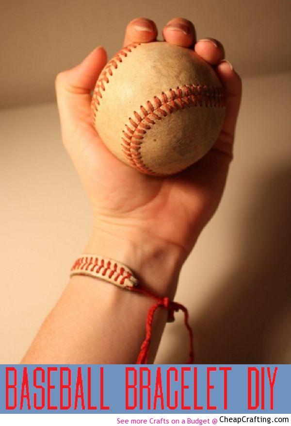 Easy Baseball Bracelet - #Fashion #DIY Project