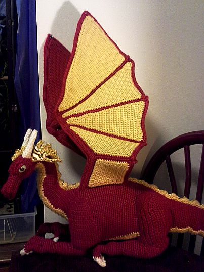 Nerdy Crochet Stuff - Smaug!!! pattern link on this page and other lord of the ring crochet patterns