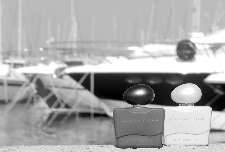 Scalo Porto Cervo, Woman e Man: fragranze ricercate, in grado di evocare l'atmosfera raffinata e mediterranea di un Jet Set d'altri tempi, quando la costa della Gallura era un approdo segreto per pochi conoscitori...