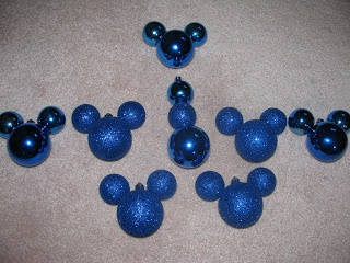 DIY Mickey Mouse Ornament #DIY #Decor #Decorate #Decorations #Christmas #Winter #Disney #MickeyEars #Ornaments