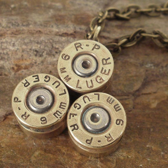 Bullet Jewelry   Bullet Necklace  9mm Luger by ShellsNStuff, $22.99: 9Mm Luger, Blinging Jewelry, Hell Yeah, Emiline S Projects, Jewelry Design, Bullet Necklace, Jewelry Bullet, Jewelry Diy, Bullet Jewelry