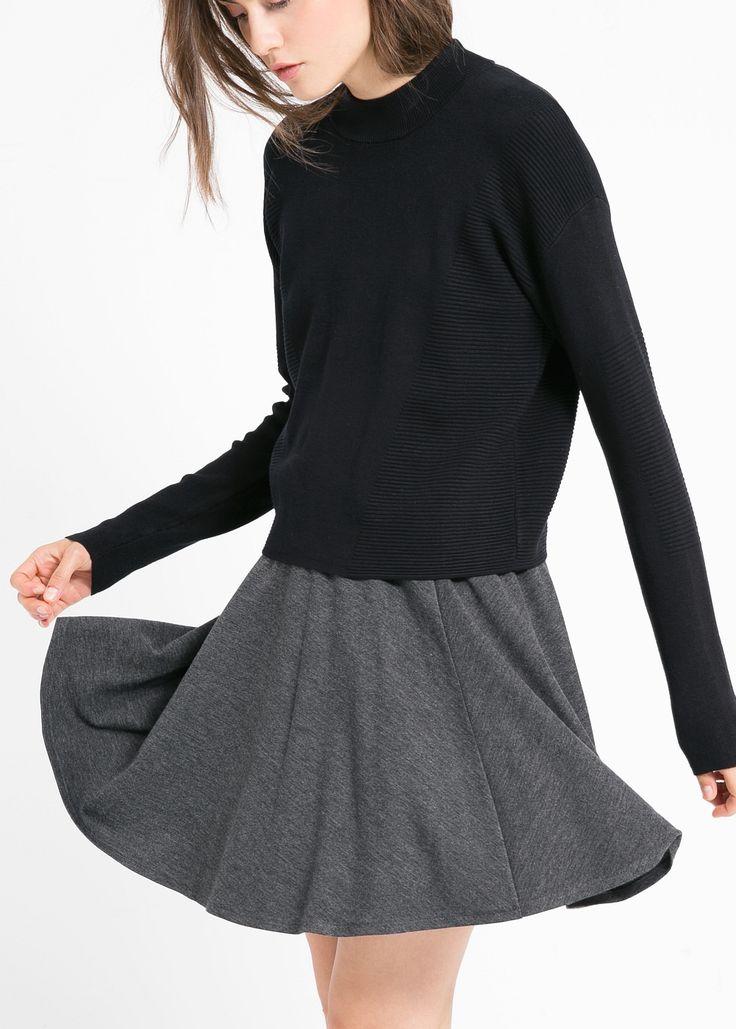 Elastic skater skirt