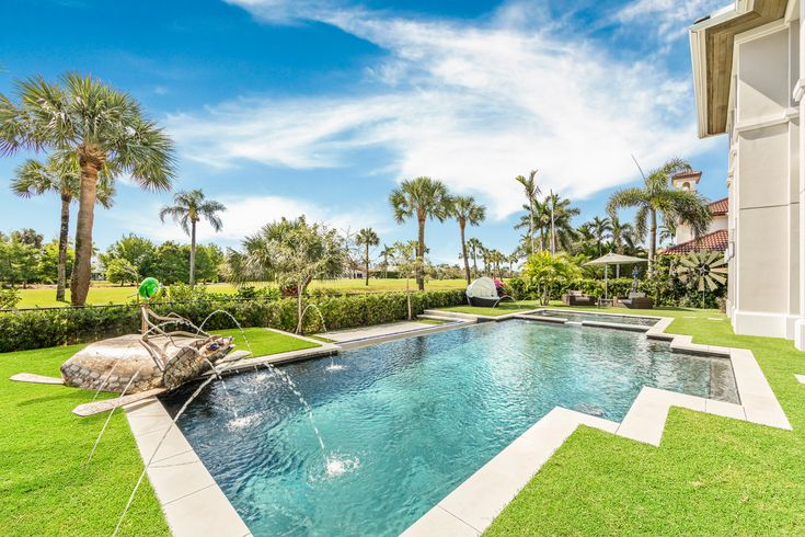 High-end luxury is at its best in this stunning Boca Raton ...