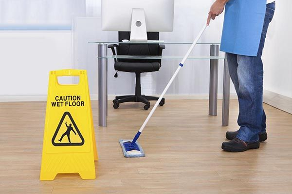 #Bull18cleaners is a reputed cleaning company deals in commercial and #residentialcleaningservices.