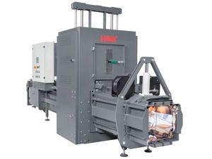 Prensa compactadora enfardadora de canal HSM VK 807 V: http://www.asturalba.com/maquinas/prensas/prensas_de_canal/prensas_de_canal.htm Ofrece un gran rendimiento de paso de hasta 0,55 toneladas y 40m3 por hora. Para integrar en procesos industriales.