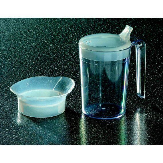Vaso de alimentacion con tetina #ortopediaenlinea #ortopediaonline Resistente vaso de plástico transparente con asa grande. • Incluye 2 tapas una con respiradero y tetina para beber y otra antiderrame. • El vaso es apto para microondas y lavavajillas (no la tetina).