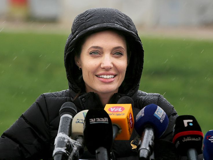The actress-director calls on world leaders to help Syrian refugees