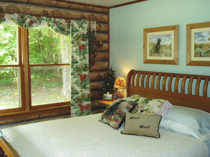 Log wallpaper presents a cleaner and more user-friendly environment than the real thing. #cabin #outdoors #logs #logcabin #lakehouse #rustic #bedroom