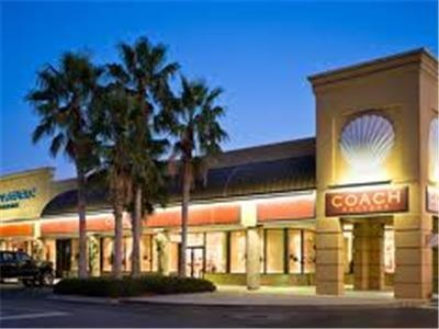 silver sands outlet mall shopping outlet mall in our vacation rental at miramar beach destin. Black Bedroom Furniture Sets. Home Design Ideas