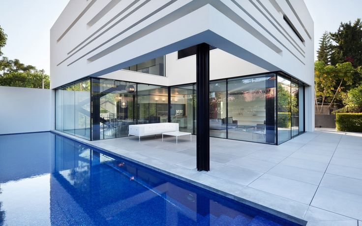 Recently completed the installation of windows and doors Apexfine on this magnificent, private family residence situated in an urban environment.