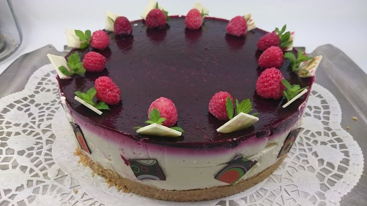 Dorty | Cheesecake s ostružinovou polevou | Královská cukrárna Chrudim