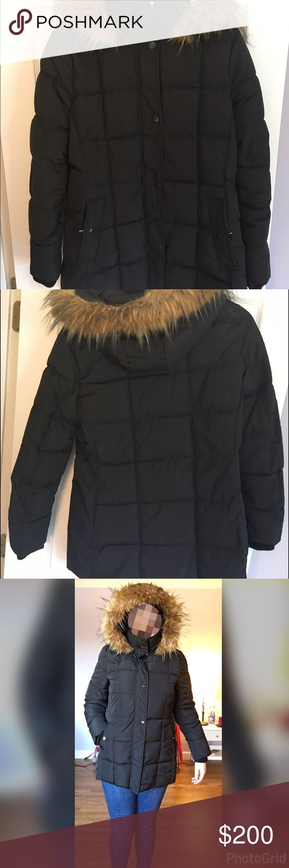 Really warm winter coat It's a really warm winter coat Tommy Hilfiger in a great conditions. Wear only twice. Tommy Hilfiger Jackets & Coats