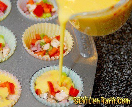 Sebzeli Muffın Omlet Tarifi, Muffın Kalıplarında Omlet Nasıl Yapılır?