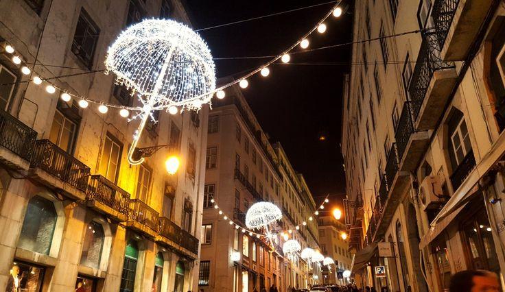 Christmas lights in Lisbon 😍 // Weihnachten in Lissabon ist traumhaft