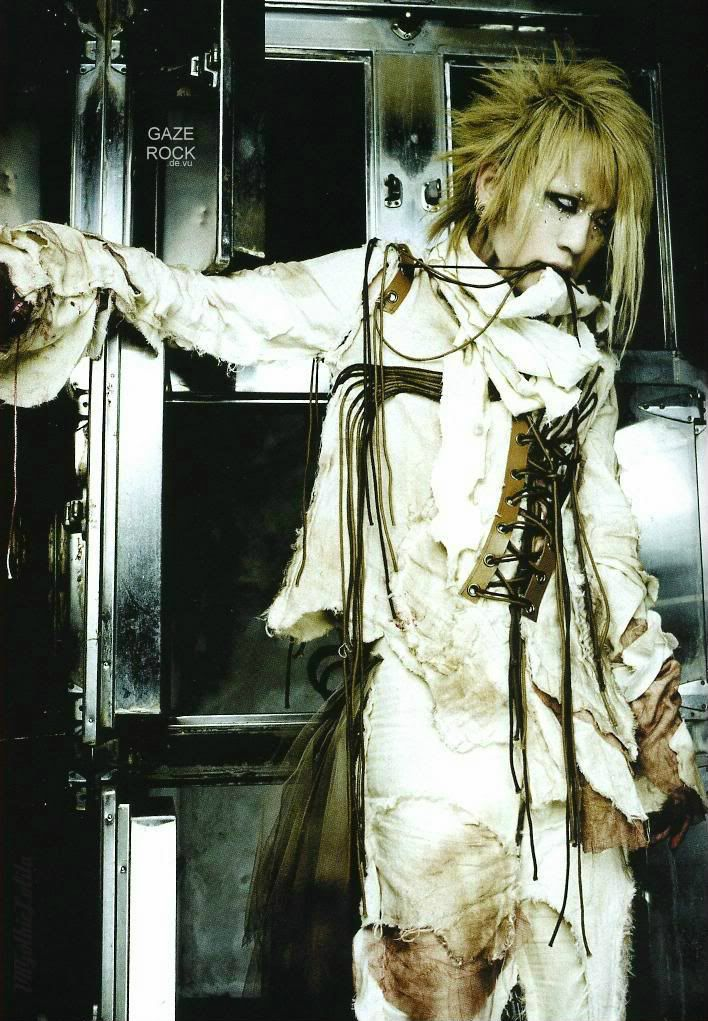 Ruki. The Gazette. Visual Kei Style. Taion MV Wardrobe.  One day I'll draw this picture.