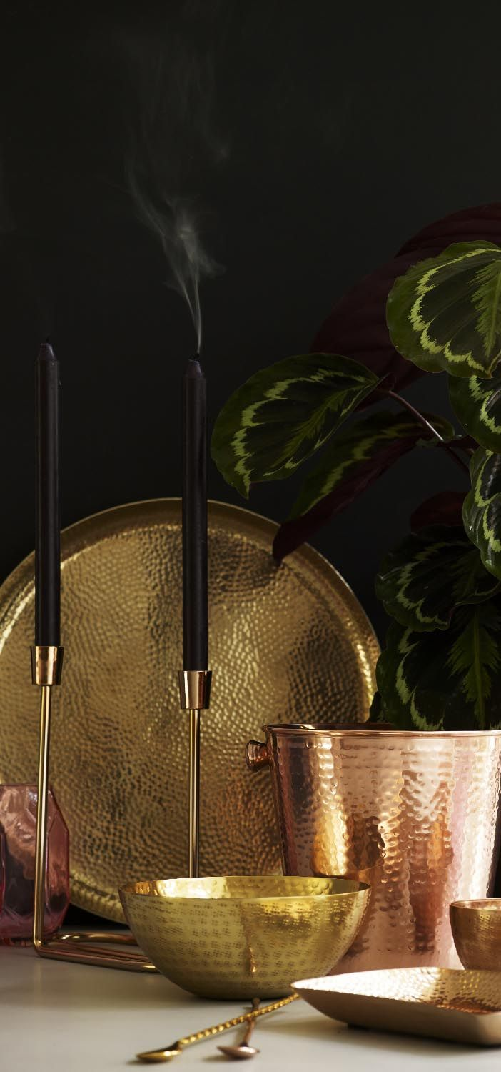 An update on the classic candle stick, our Gold Twist Candle Stick calls for modern and minimalist living.