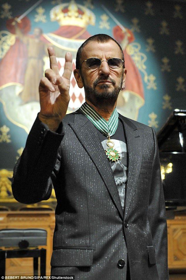 Ringo Starr To Be Awarded Knighthood In New Year S Honours Ringo Starr John Lennon Beatles Beatles John