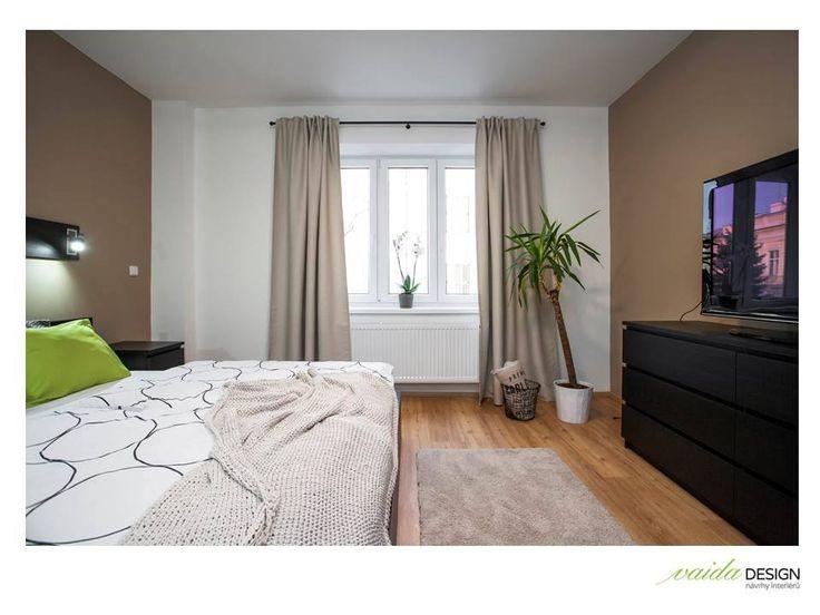 Moderná spálňa v tlmených farebných tónoch