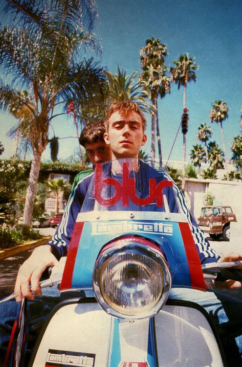 5. damon albarn and graham coxon on scooter