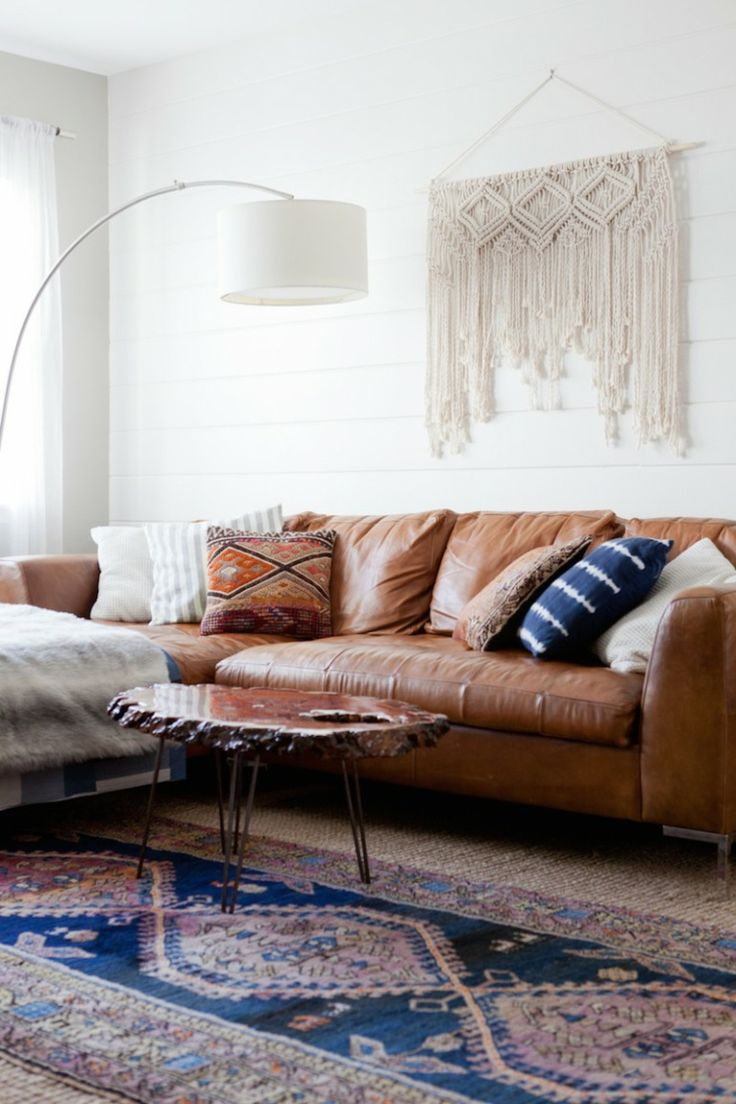 102 best teppich images on pinterest see 25 brown leather sofas that are stylish in a minimalist and bohemian type of waynot your brothers gross bachelor pad shop for brown leather sofas parisarafo Image collections