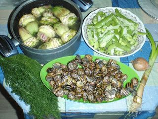 Μωσαϊκό: Χοχλιοί (σαλιγκάρια) με αγκινάρες και κουκιά