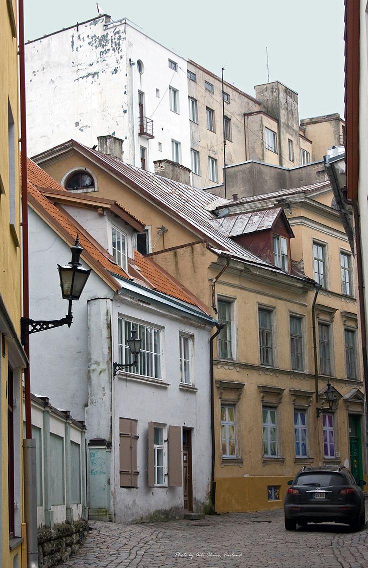 Street view from the old Tallinn, Estonia photo Aili Alaiso, Finland