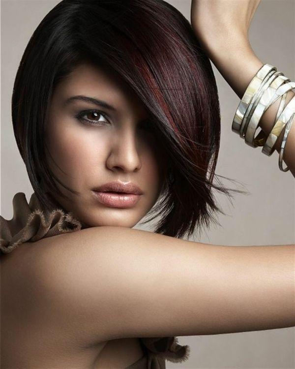 Haare rot mit schwarzen strahnen