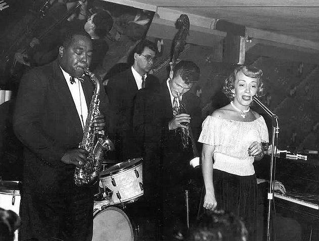 One night down at the Tiffany Club in June of 1952. Bird, Chet Baker, Harry Babasin, Helen Carr (Don Trenner, hidden pianist)