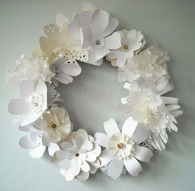 AA paper wreathChristmas Wreaths, White Flower, Paper Wreaths, Diy Fashion, Paper Flowers, Spring Wreaths, Christmas Decor, Floral Wreaths, Flower Wreaths