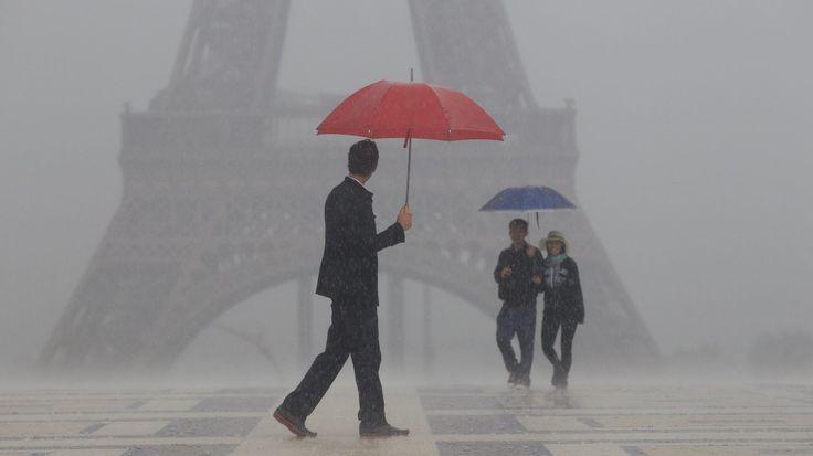 paris-rain_wide-7c92567b4077ff7608544926e153b2aaa06ee92b.jpg (1400×786)