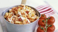 Pasta mit Garnelen und Tomaten | Kalorien: 487 Kcal - Zeit: 30 Min. | http://eatsmarter.de/rezepte/pasta-mit-garnelen-und-tomaten