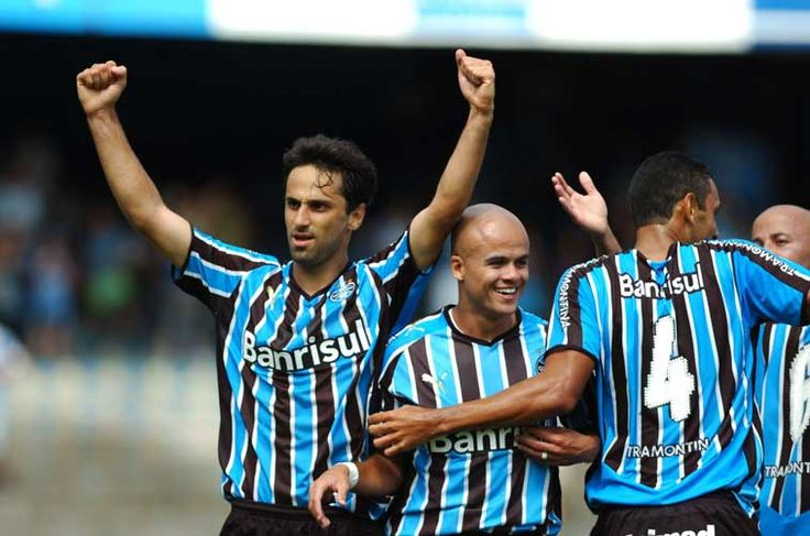 Huachipato v Grêmio Football Match - 19.04.2013 | Football Match ...