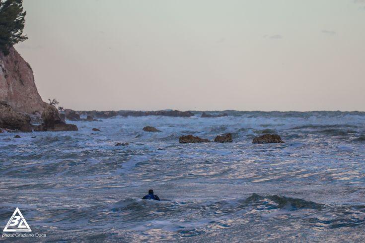 Una raccolta di immagini dell'ultima swell nella costa Adriatica