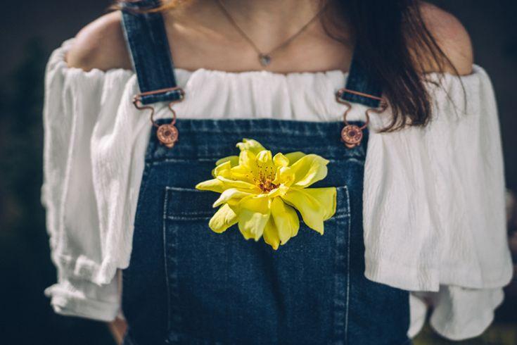 ¿Blusas negras o blusas blancas? no podrás decidirte con estas de BDBA  http://stylelovely.com/bdba/2017/04/19/blusas-negras-blusas-blancas/