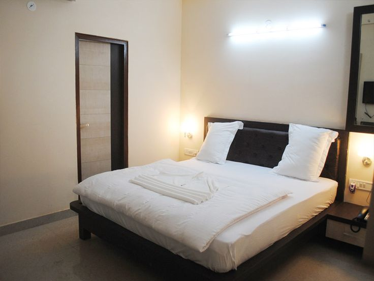 Book Best Budget and Luxury Hotels in Azamgarh, India @ STARiHOTELS.