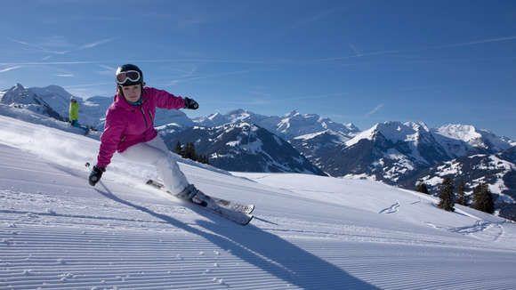 Schneesicher und 220 km lang, das sind Gstaads Skigebiete. Gstaad