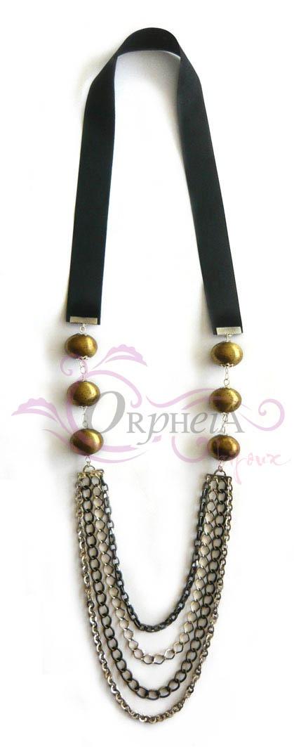 Collar largo con billas y cadenas